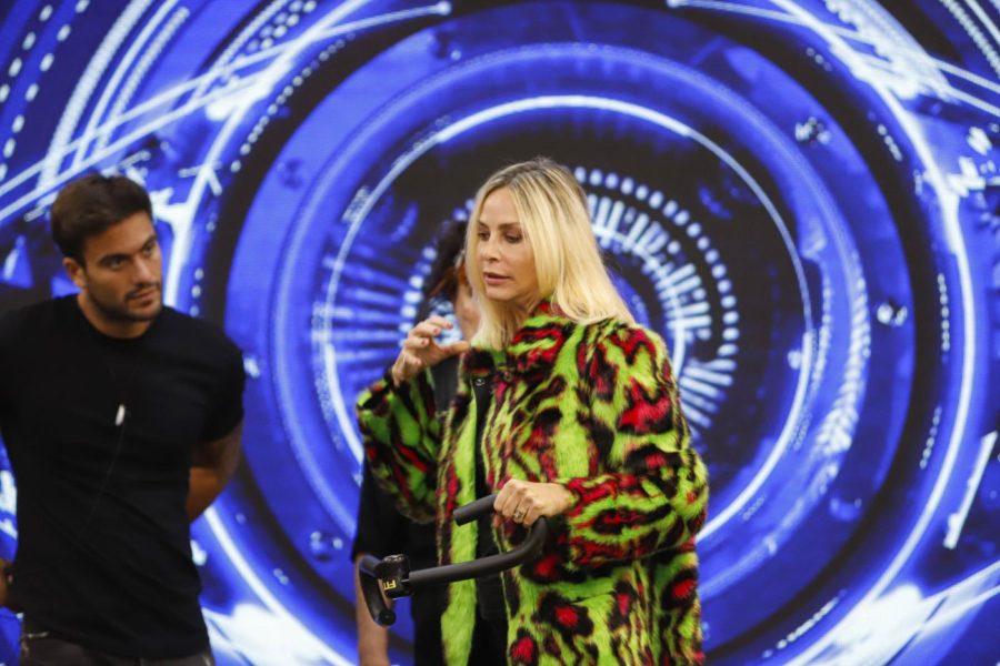 Stefania Orlando in gara al GF VIP: ecco chi è la moglie di Simone Gianlorenzi