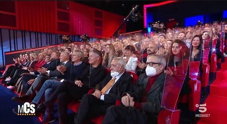 """Maurizio Costanzo risponde alle polemiche sul Teatro Parioli: """"Fanno tutti il test seriologico e lo pago io"""""""