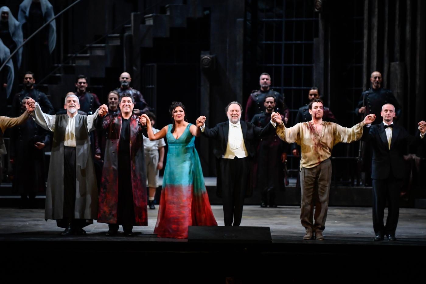 Il Teatro alla Scala di Milano costretto per la prima volta ad annullare la Prima del 7 dicembre: al suo posto un concerto di gala con un cast stellare