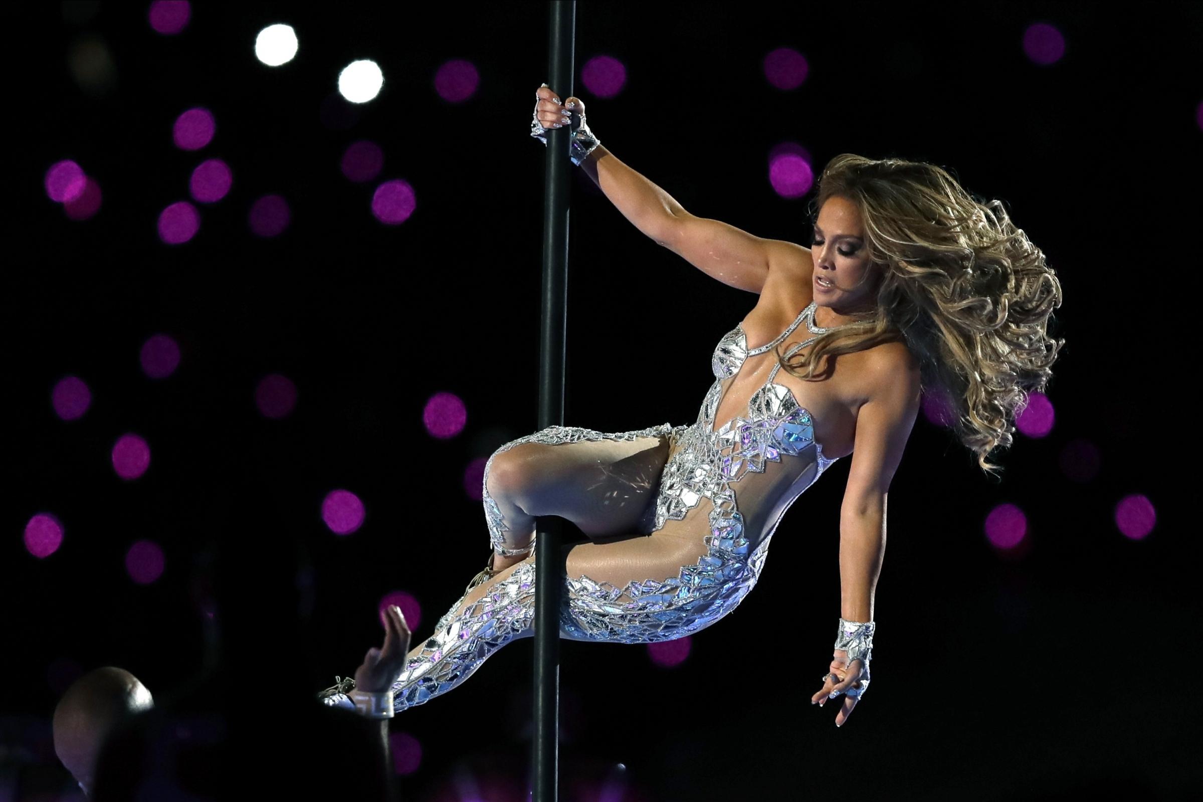 """Jennifer Lopez nuda e bellissima nella cover del singolo """"In The Morning"""""""