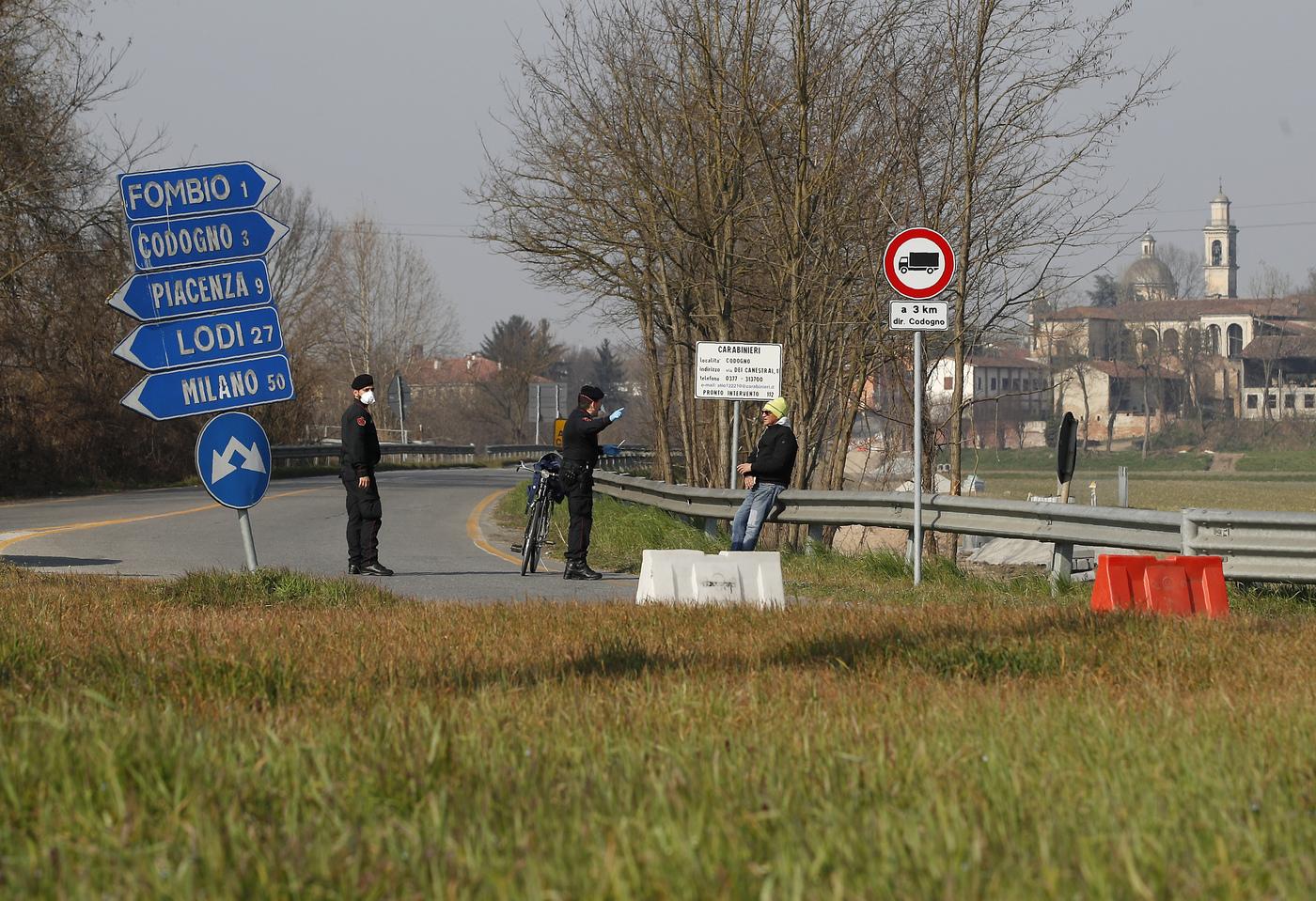 Emergenza Covid, nel nuovo Dpcm l'Italia divisa in zona rossa, arancione e gialla: ecco cosa succederà