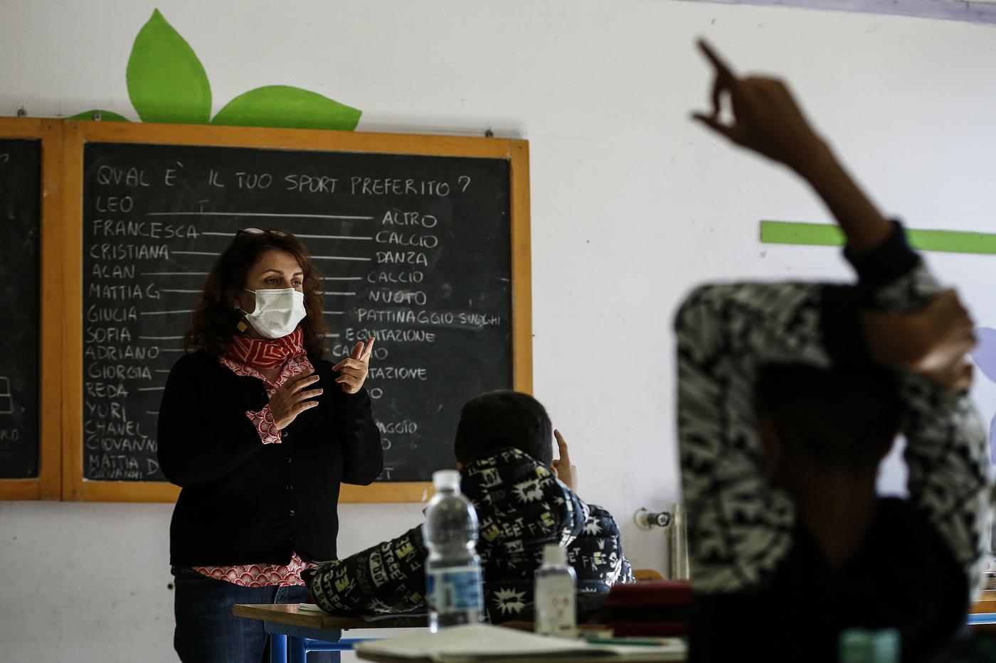 Scuola, da oggi in alcune Regioni si torna in aula: ecco quali