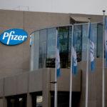 Vaccino anti Covid, Pfizer si prepara a chiedere l'ok alle autorità farmaceutiche per la terza dose
