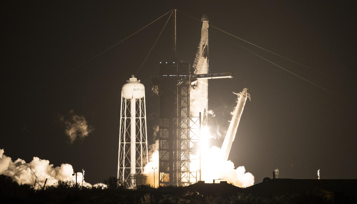Lanciata nello spazio la capsula Crew Dragon: la Nasa torna a far volare i suoi astronauti. Ecco il VIDEO IN DIRETTA della missione