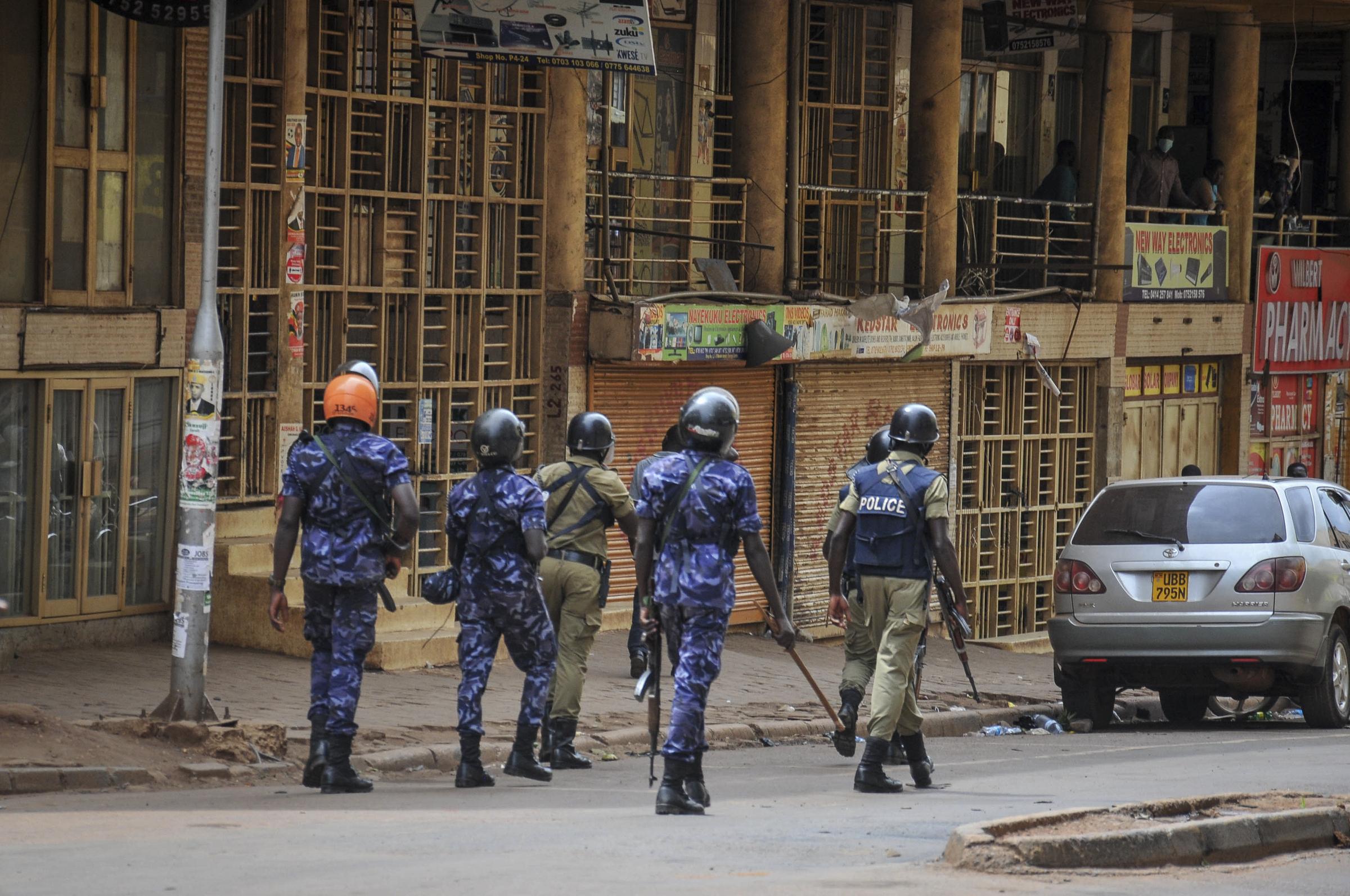 Uganda: welcome to the freedom show. Scontri violenti con la polizia