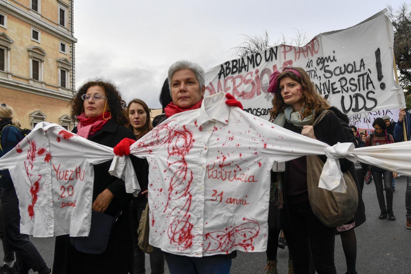 Un omicidio ogni tre giorni e oltre 90 donne uccise nel 2020: ecco i drammatici numeri dei femminicidi in Italia