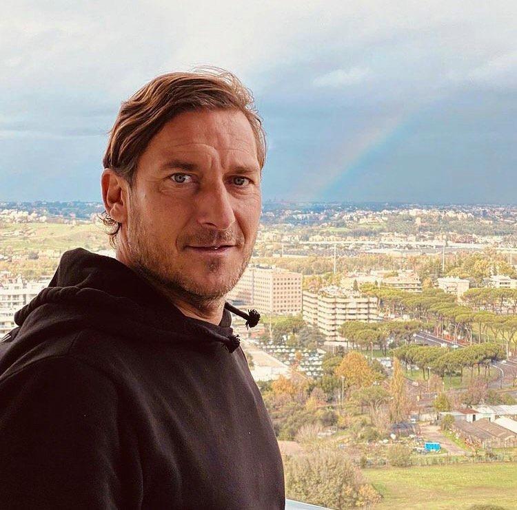 """Francesco Totti: """"Alberto Zangrillo mi ha guarito dal Covid. Non è stata una passeggiata"""""""