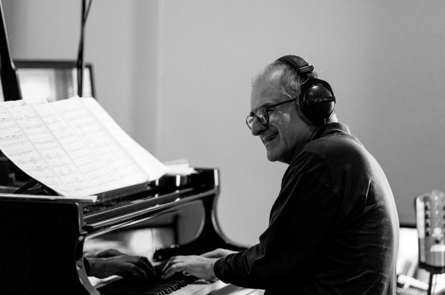 Mei, Rubrica. #NEWMUSICTHURSDAY. Intervista a tempo di jazz con il Maestro Enrico Pieranunzi