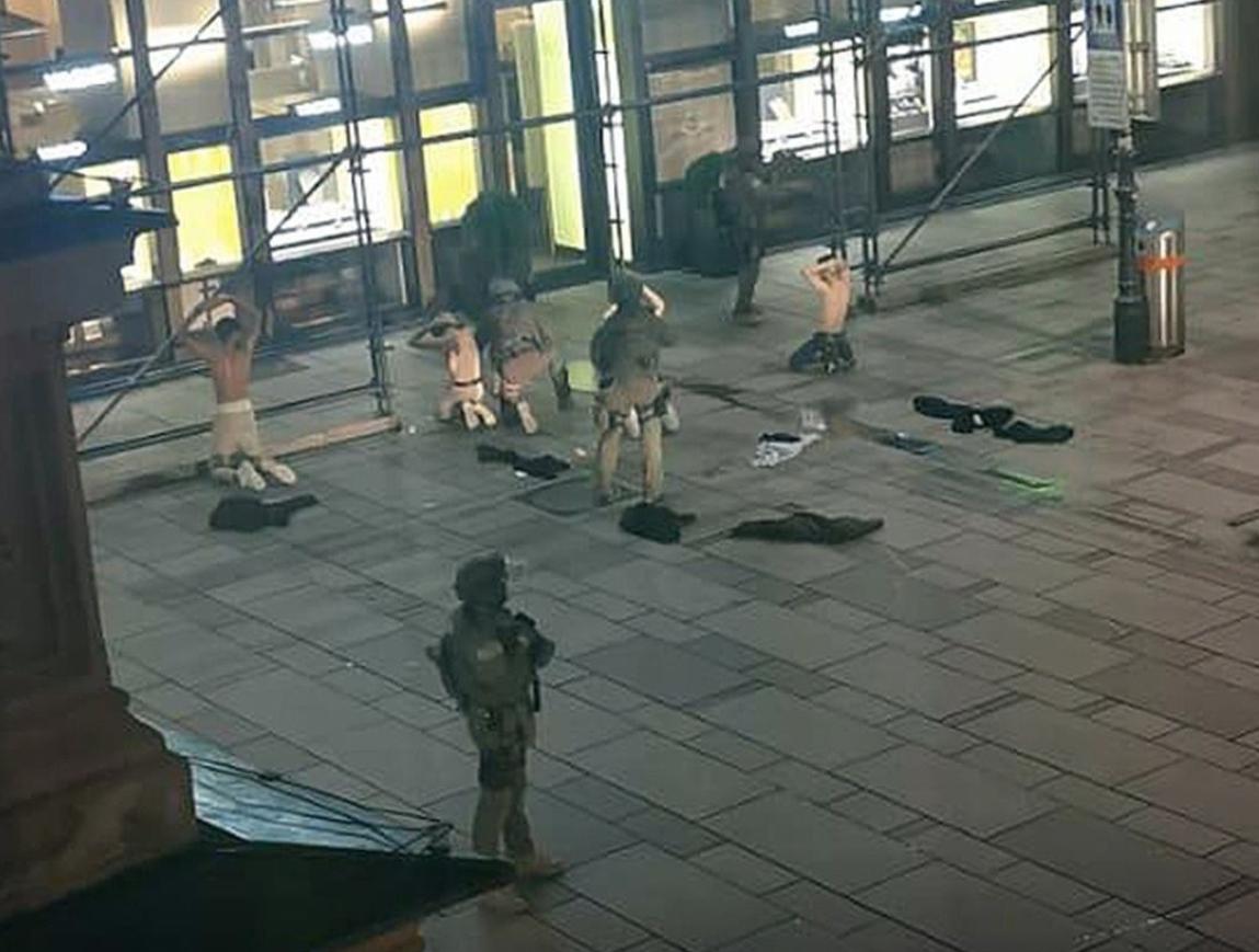 Vienna, spari in centro: 7 morti e diversi feriti. Un uomo è in fuga, non si esclude il terrorismo