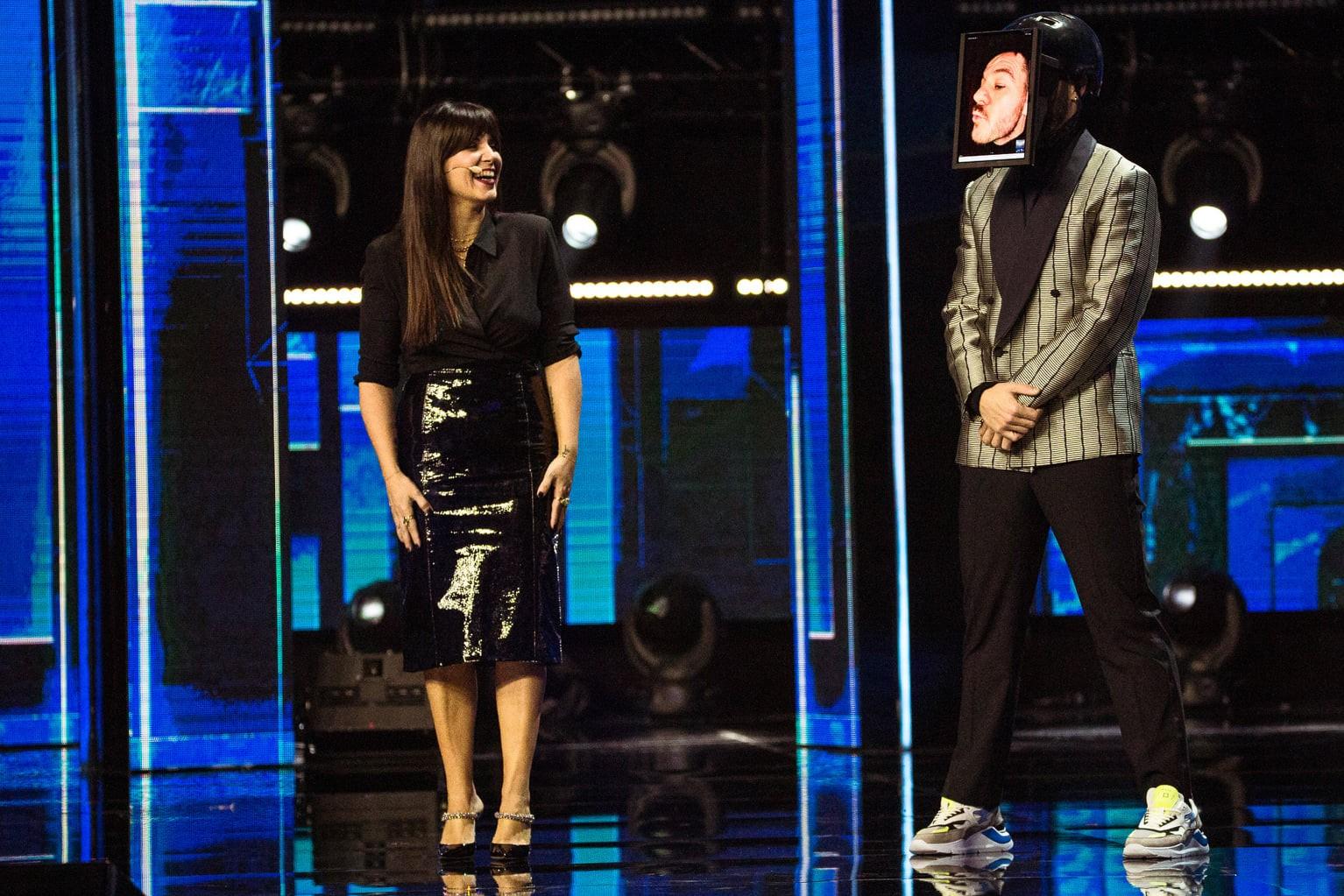 Cattelan ancora alle prese con il Covid, a condurre il terzo live di X Factor ci sarà ancora Daniela Collu