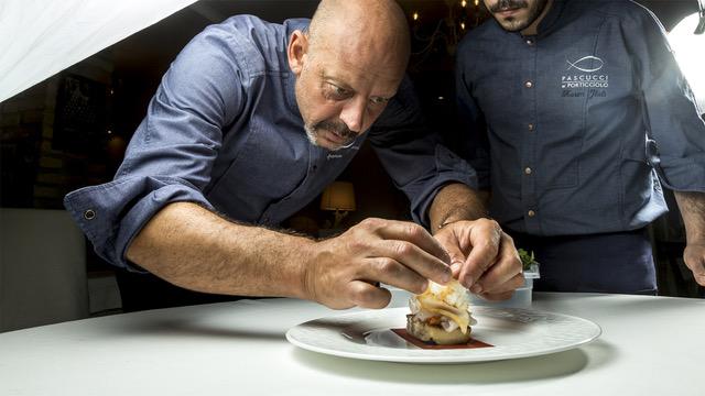 """Rubrica. DENTRO LA CUCINA DI STEFANO VEGLIANI. Chef Gianfranco Pascucci: """"Molti dei miei piatti nascono passeggiando per sentieri e oasi naturali"""""""