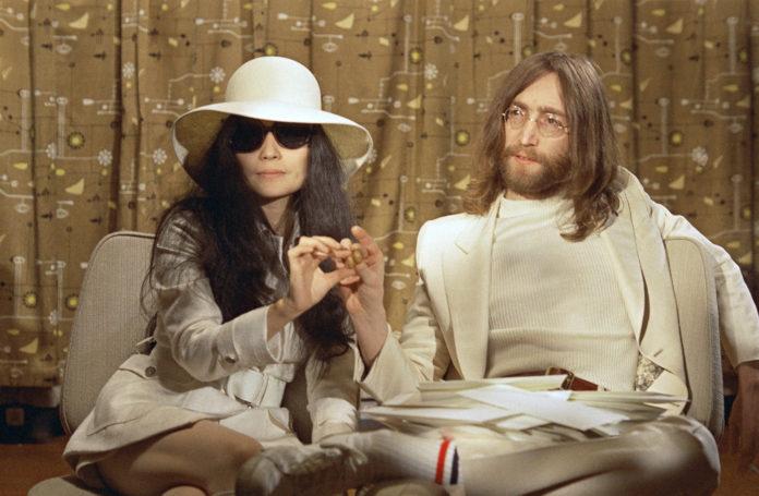 Le canzoni più trasmesse in radio a Natale? Vince John Lennon – ECCO LA TOP 10