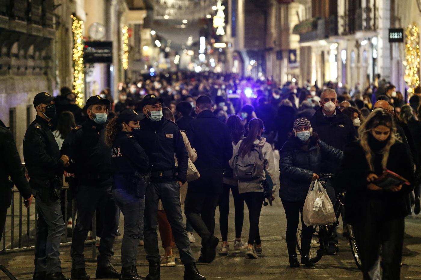 Da oggi l'Italia è di nuovo arancione: ecco cosa cambia e cosa si potrà fare e non
