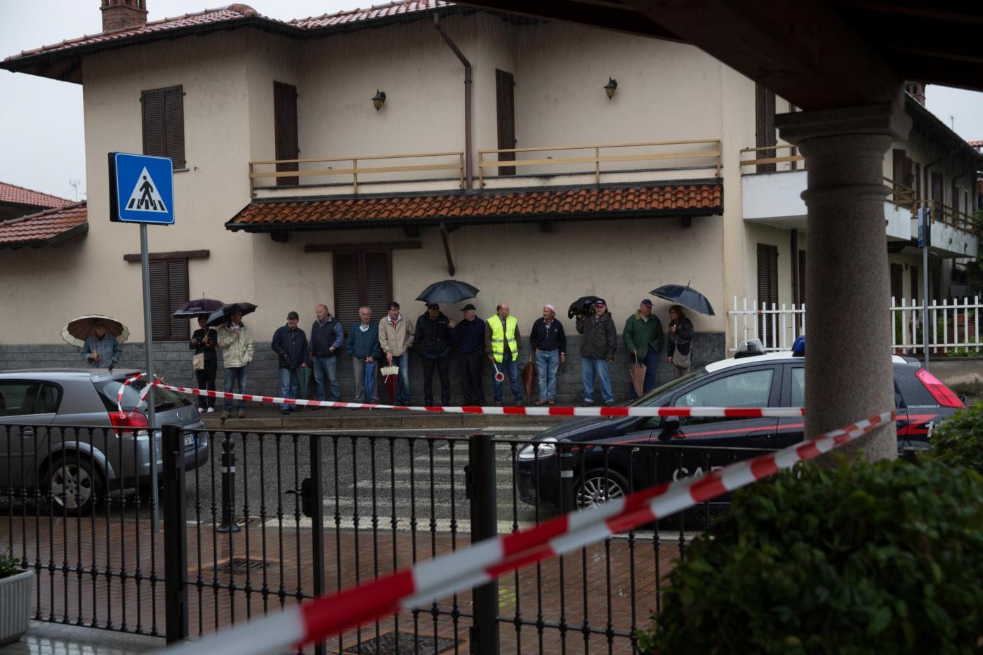 Soffoca la moglie col cuscino e la uccide, poi chiama i carabinieri. Altro dramma in famiglia nel modenese