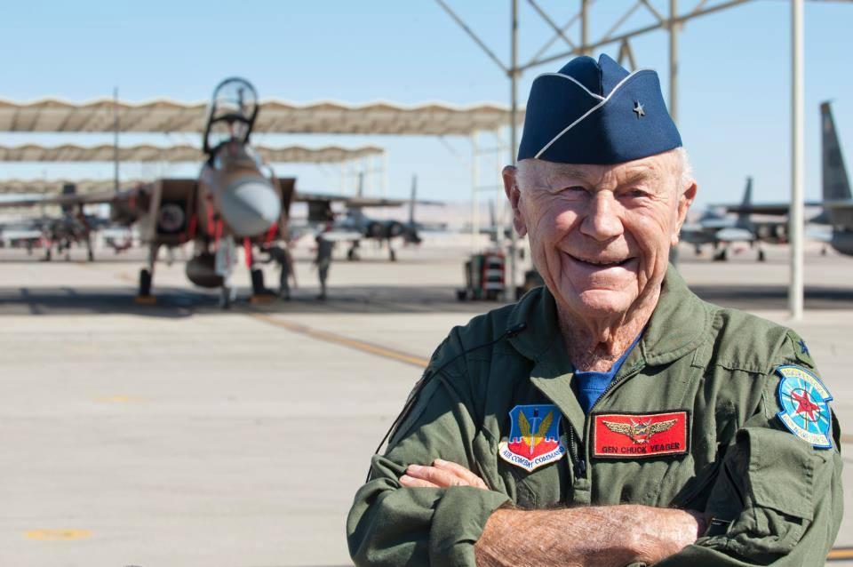 Morto a 97 anni Chuck Yeager, fu il primo aviatore a rompere il muro del suono