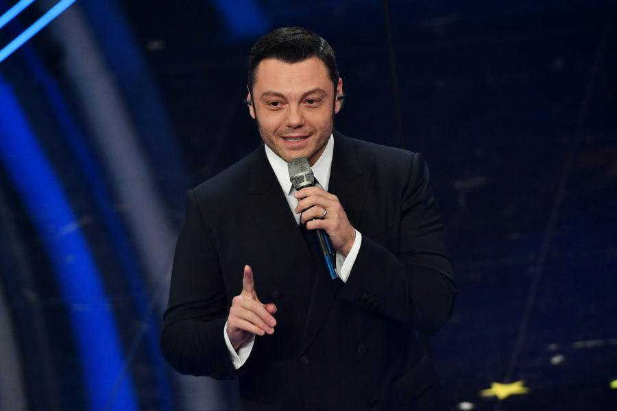 """Tiziano Ferro ottiene il triplo disco di platino per """"Accetto miracoli"""""""