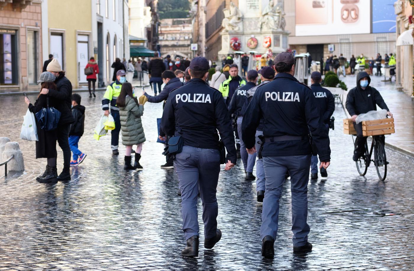 """L'Italia oggi e domani in zona gialla """"rafforzata"""" e nel weekend sarà arancione: ecco cosa si potrà fare e non"""