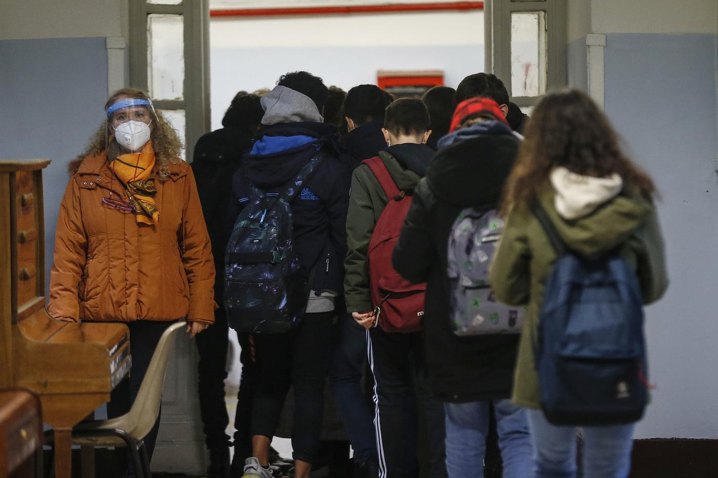Scuola, da oggi di nuovo sui banchi 8 milioni di studenti in 7 Regioni gialle