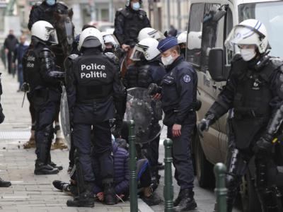 Bruxelles: Disordini antirestrizioni in tutta Europa