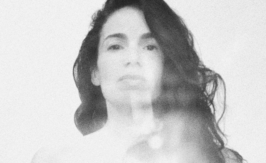 """Nightsongs"": la bolla rilassante di Yael Naim"