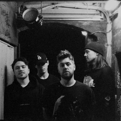 Acres, la band inglese dall'outfit cinematografico post-hardcore