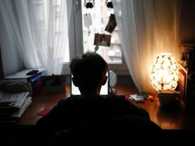 Challenge del suicidio, 13enne viene salvato da un'amica