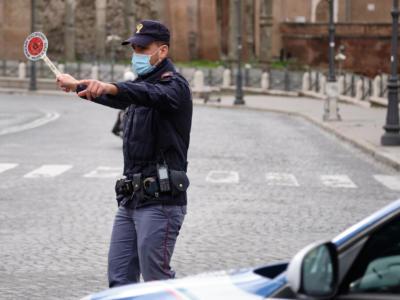 Covid, Italia sempre più chiusa: quattro regioni diventano rosse, venerdì le nuove disposizioni