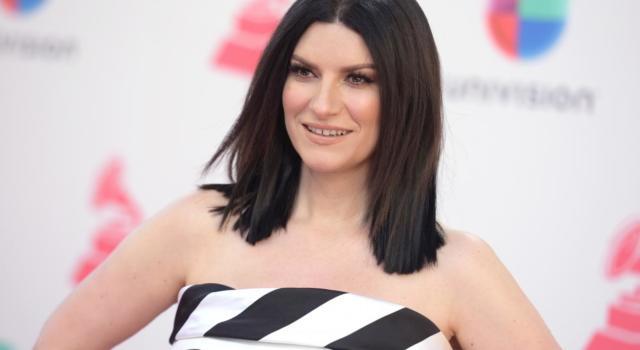 """Laura Pausini, la cantante vince il """"Golden Globe"""" per la miglior canzone originale"""
