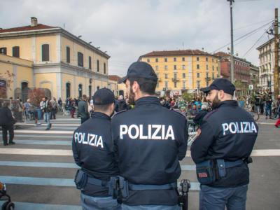 Genova, terrore nel centro storico, negoziante accoltellata a morte dentro a negozio di calzature