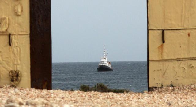 Lampedusa: barchino con 50 migranti si rovescia durante i soccorsi