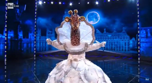 Il Cantante Mascherato, Katia Ricciarelli è la giraffa. Tutte le esibizioni – VIDEO