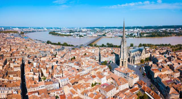 Bordeaux: esplosione in un palazzo, un morto e un ferito grave