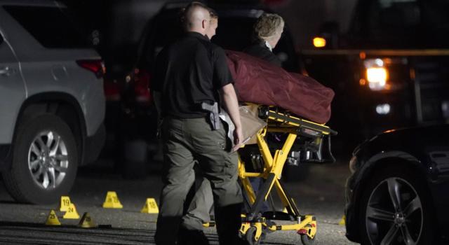 Orrore nel centro commerciale, a 15 anni uccisa a coltellate in diretta social da quattro coetanee