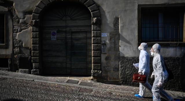 Il Tar boccia i protocolli di cura domiciliare anti Covid dell'Aifa: i medici potranno decidere in autonomia la terapia