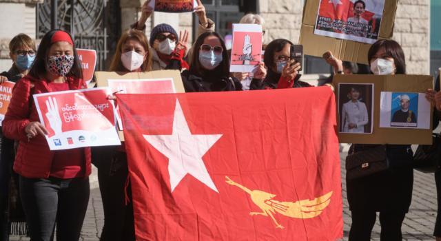 Birmania: non si placano le proteste, 54 le vittime dall'inizio