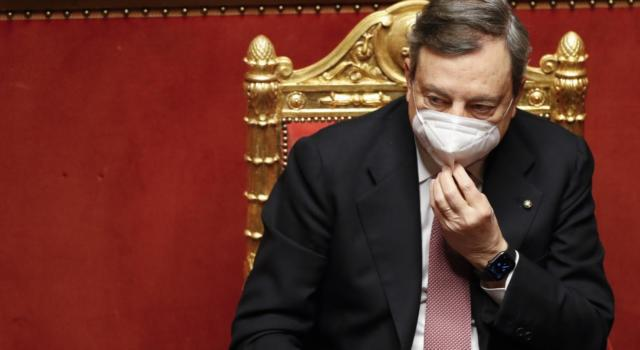 Draghi conferma i bonus da 800 euro per mamme e partite Iva: ecco chi può richiederli