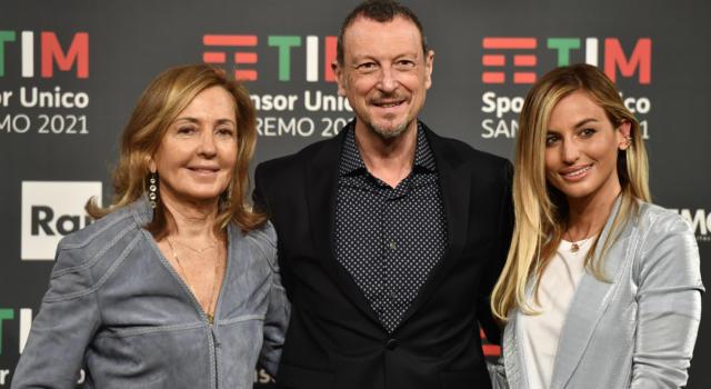 LIVE Sanremo 2021 in DIRETTA: la quarta serata di VENERDI' 5 MARZO. Ermal Meta si conferma al primo posto, sul podio salgono Willie Peyote e Arisa