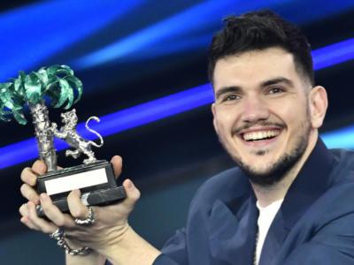 """Gaudiano vince Sanremo 2021 con """"Polvere da sparo"""" – VIDEO E TESTO"""