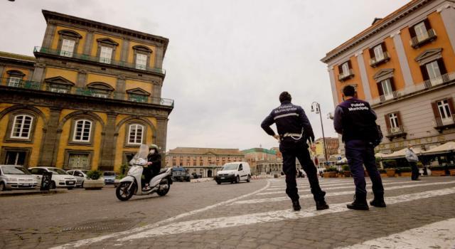 L'Italia tutta rossa a Pasqua e Pasquetta: il governo si prepara a chiudere tutto dal 3 al 5 aprile