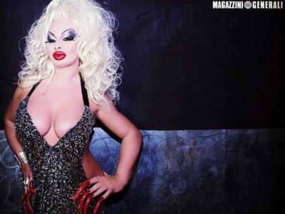 """Elenoire Ferruzzi lotta contro il covid. L'amico dell'icona trans rivela: """"Hanno detto alla famiglia di prepararsi al peggio"""""""