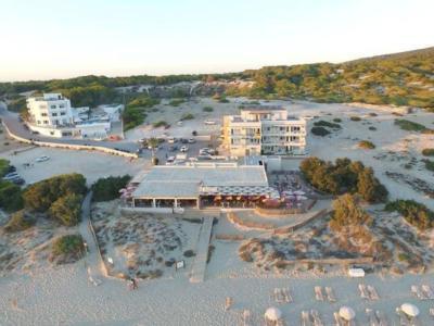 """Rubrica: Flashlight. Pacha inaugura la sua prima """"casa"""" a Formentera."""