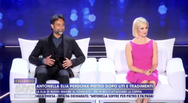 """Pietro Delle Piane a Live: """"A Temptation Island ho recitato un ruolo"""". Panico negli studi di Barbara D'Urso che si dissocia"""