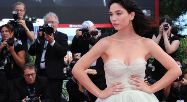 Matilda De Angelis da Sanremo 2021 a Leonardo: l'attrice torna questa sera su Rai1