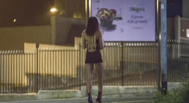 Ferrara, smascherato da 'Le Iene', organizzava festini di orge e cocaina dietro finta associazione in difesa delle donne: arrestato