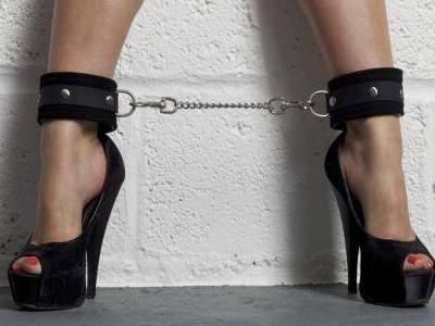 Verona, geometra 57enne a processo: per un anno, rapporti sadomaso con una 15enne, tendando di coinvolgere anche l'amichetta