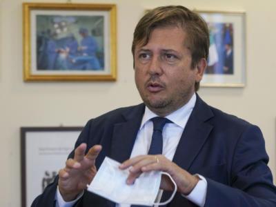"""Green pass obbligatorio, Sileri: """"L'Italia come la Francia subito"""""""