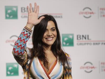 """Pina Turco torna su Rai 1 con """"La Fuggitiva"""". Ecco chi è l'attrice che interpreta Michela Caprioli"""