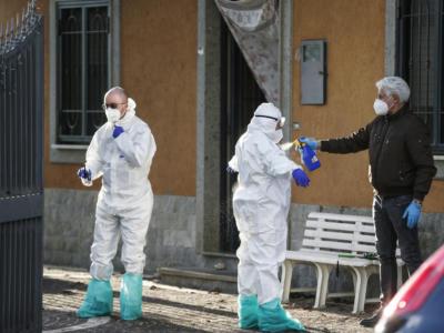Tragedia nel Torinese, uomo uccide moglie, figlio e padroni di casa