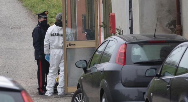 Reggio Emilia, ucciso a martellate, la moglie in fin di vita, fermato il figlio scrittore