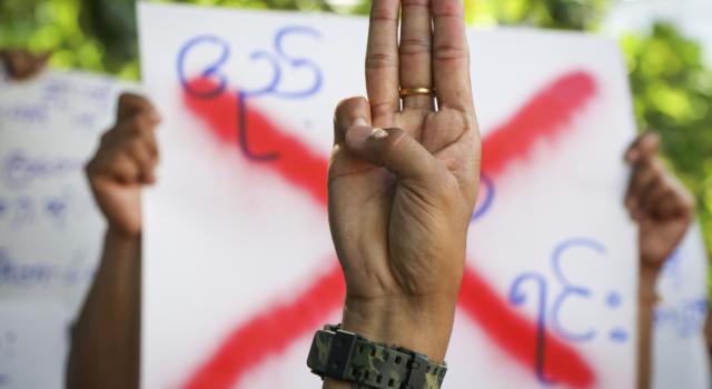 Myanmar: 700 vittime nelle proteste per il golpe mitilare